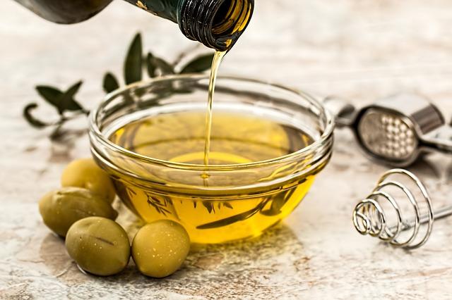 Tips awet muda dengan minyak zaitun