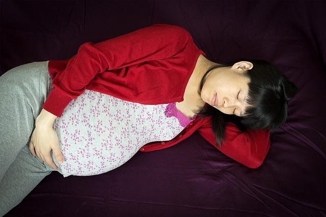 Menjaga kualitas tidur saat hamil