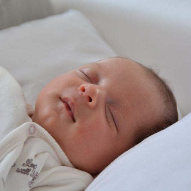 Mitos Tidur Pada Bayi