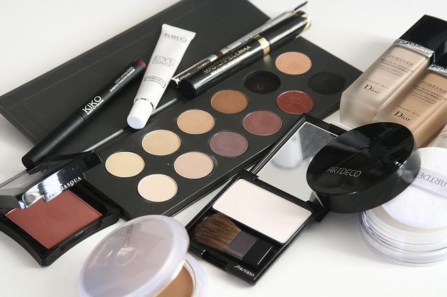 Tips Penggunaan Kosmetik