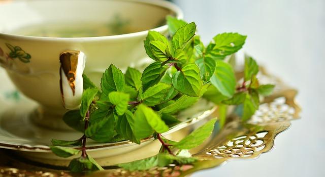 Cara alami mengatasi kecemasan dengan teh hijau