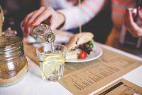 Waktu terbaik minum air lemon