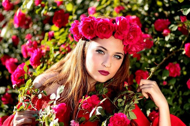 Cara Ampuh Memutihkan Wajah Menggunakan Air Mawar