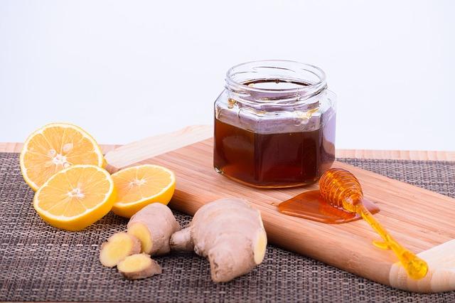 Obat Perut Kembung Herbal Yang Bisa Dibuat Sendiri Di Rumah - Jahe, Jeruk Nipis, Dan Madu